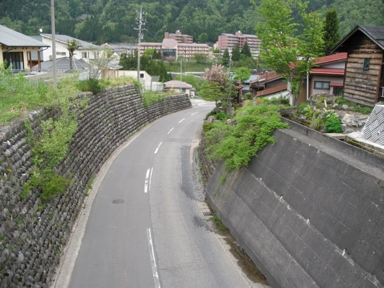 A picture of a road in Kamioka-cho, Hida-shi, Gifu-ken, Japan.