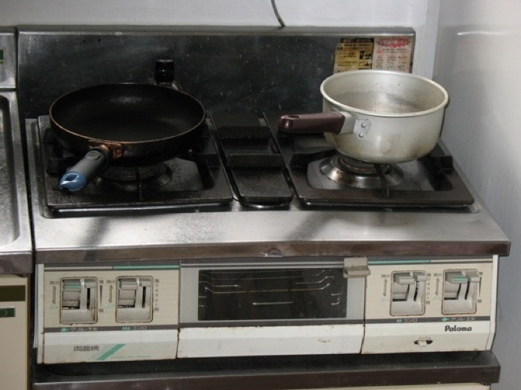 A picture of the stove in my kitchen.